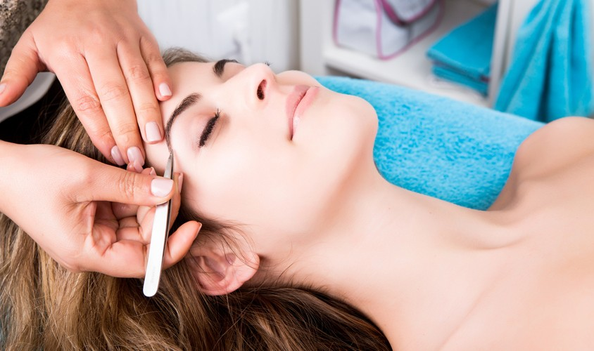 Beauty Spa Eyebrow Treatment